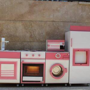 ست آشپزخانه و کلبه صورتی